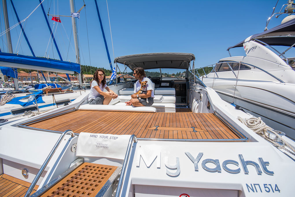 Luxury Private Motor Yacht Day Cruise